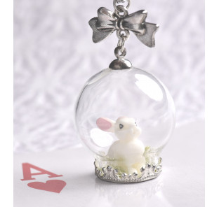 Collier lapin blanc globe...