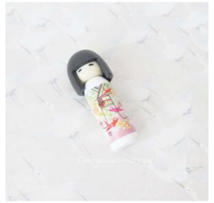 Gomme kokeshi blanche